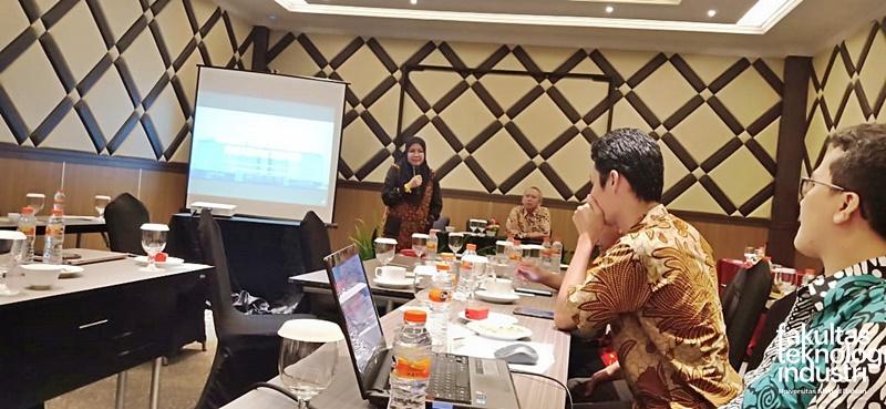Dosen FTI UAD Berpartisipasi Pada Workshop Penyusunan Renstra Penelitian Universitas Ahmad Dahlan 2020- 2025