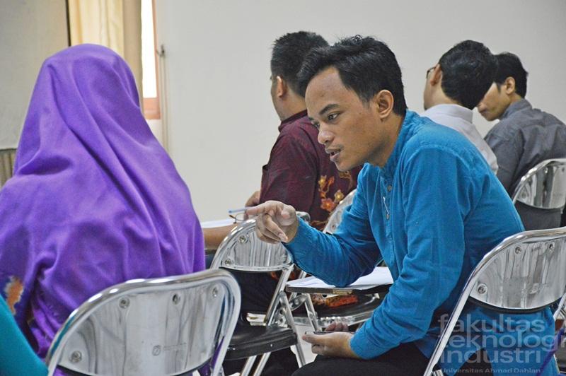 evaluasi studi FTI UAD 2012, 2014, 2016