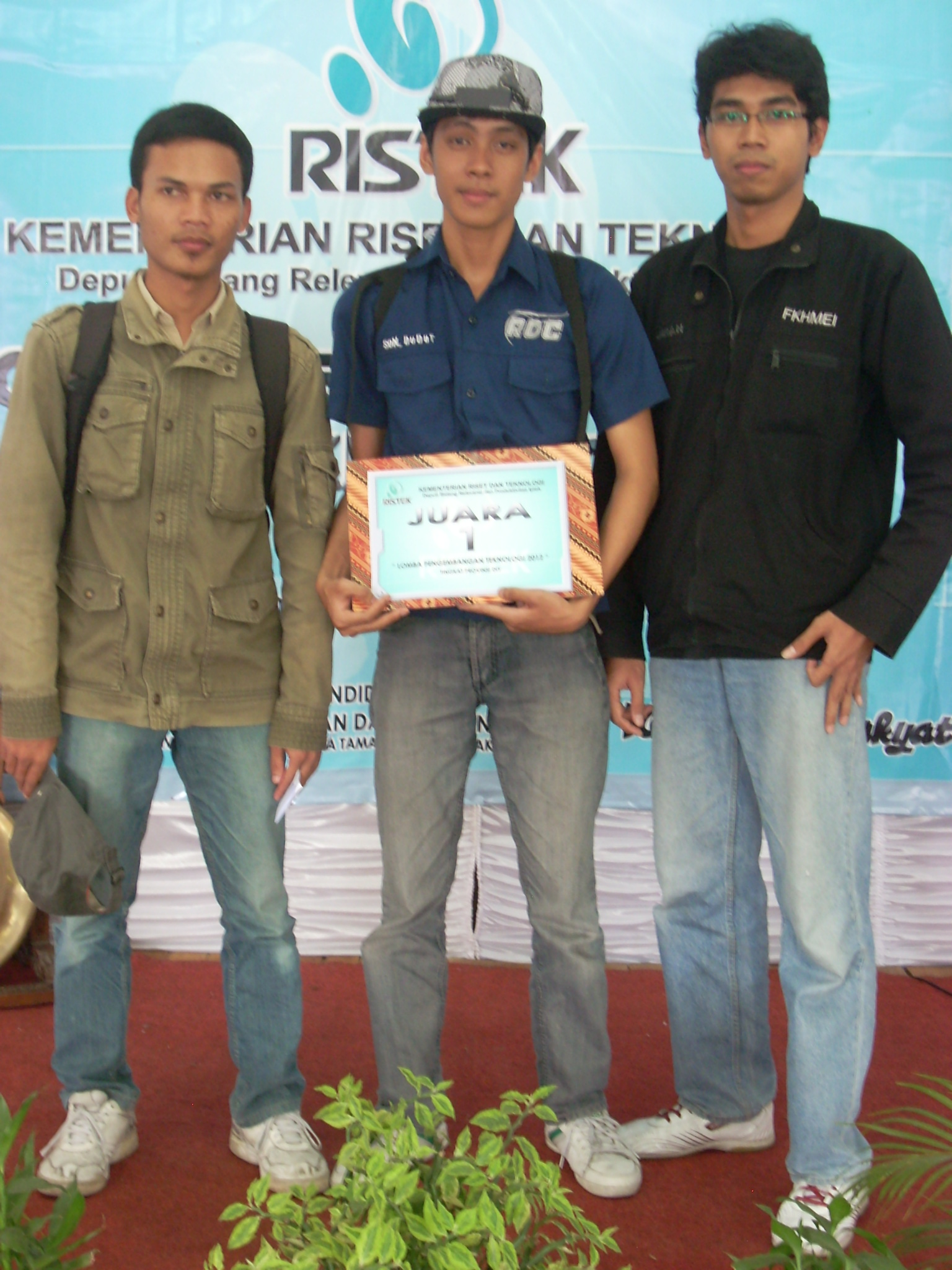 Juara 1 lomba Ristek