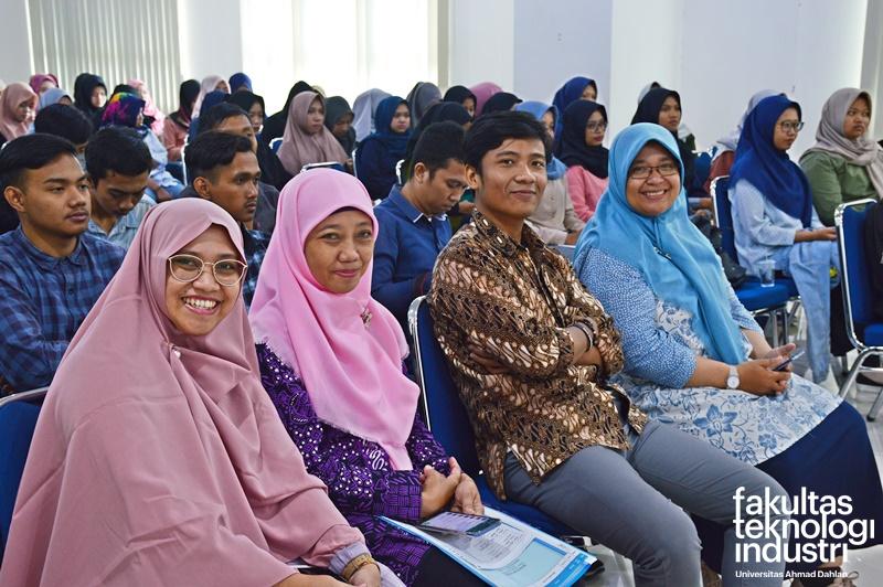 Kuliah Umum Dengan Menghadirkan Praktisi Industri Dari PT. Deltomed Laboratories Wonogiri