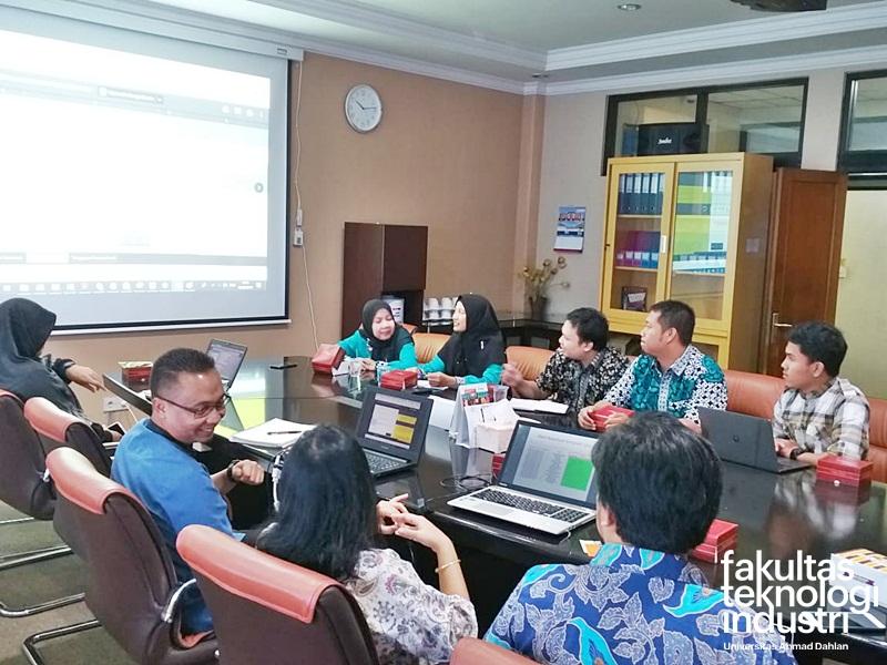 Memorandum of Understanding (MoU) Antara STEI ITB Dengan FTI UAD Penyelenggaraan ICAICTA 2019