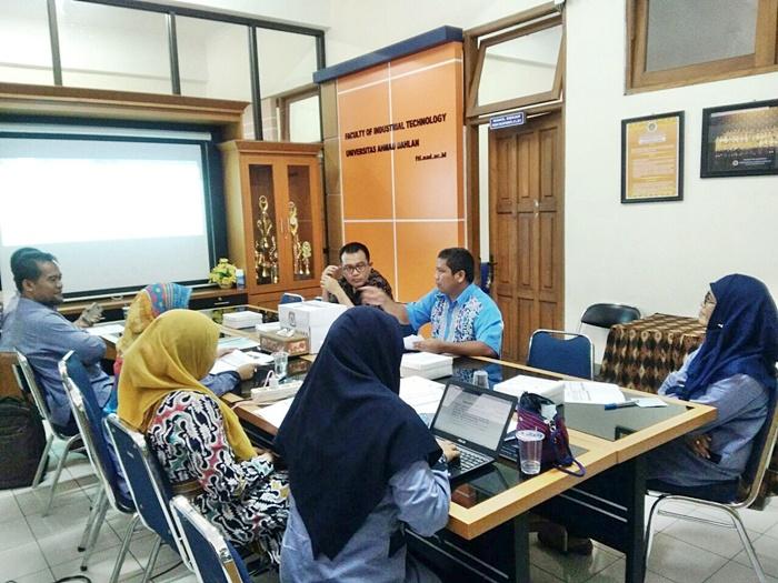 Penjaringan Bakal Calon Dekan FTI UAD