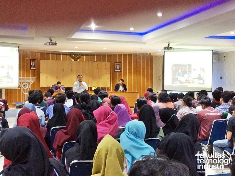 Prof. Dr. Jafri Bin Din Kuliah Umum di UAD