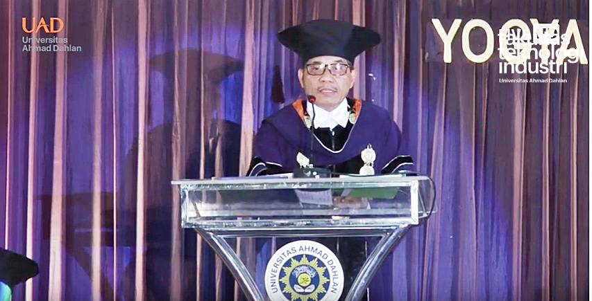 Sidang Senat Terbuka Wisuda Sarjana Dan Pascasarjana Universitas Ahmad Dahlan Periode 2019
