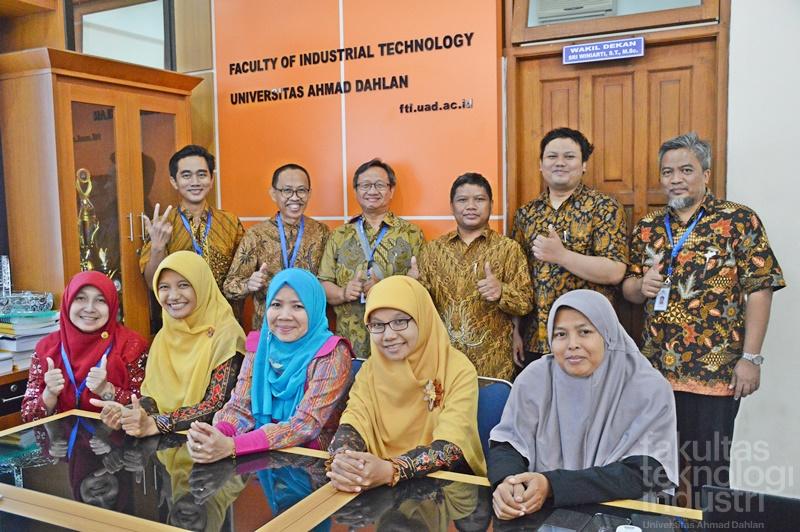 Studi Banding Teknik Informatika Universitas Trisakti Jakarta