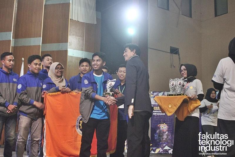 Kontes Robot Regional III Tahun 2019 Universitas Jenderal Soedirman (Unsoed), Purwokerto TIM Robot Universitas Ahmad Dahlan (UAD)