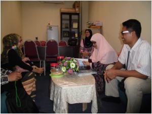 Suasana Diskusi di Ruang Kerja Prof. Siti Maryam Untuk MoA yang sudah ada
