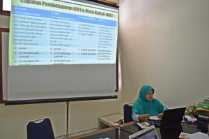 Workshop Pengembangan rencana pembelajaran berbasis KKNI 2015 (5)