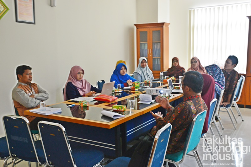 "Workshop ""Pembahasan Standarisasi Student Exchange ke UAD"""